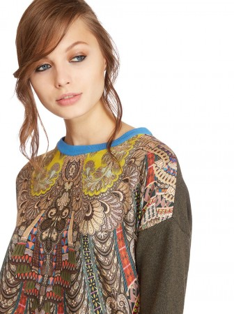 Sweater with free spirit print